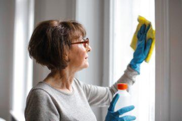 Środki do mycia okien, przeszkleń