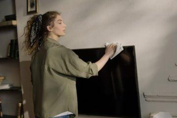 Sprawdź sposoby na skuteczne czyszczenie sprzętu RTV AGD.